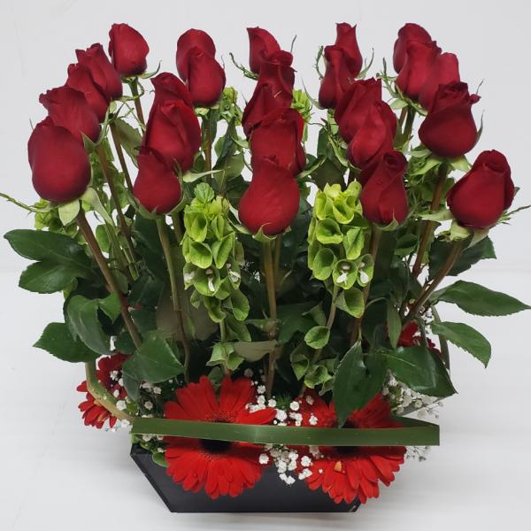 Arreglo de flores naturales rosas y flores mixtas 25 piezas