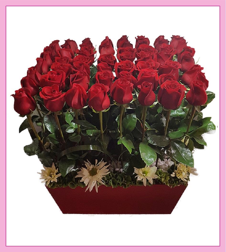 Arreglo De Flores Rosas Rojas 56 Piezas