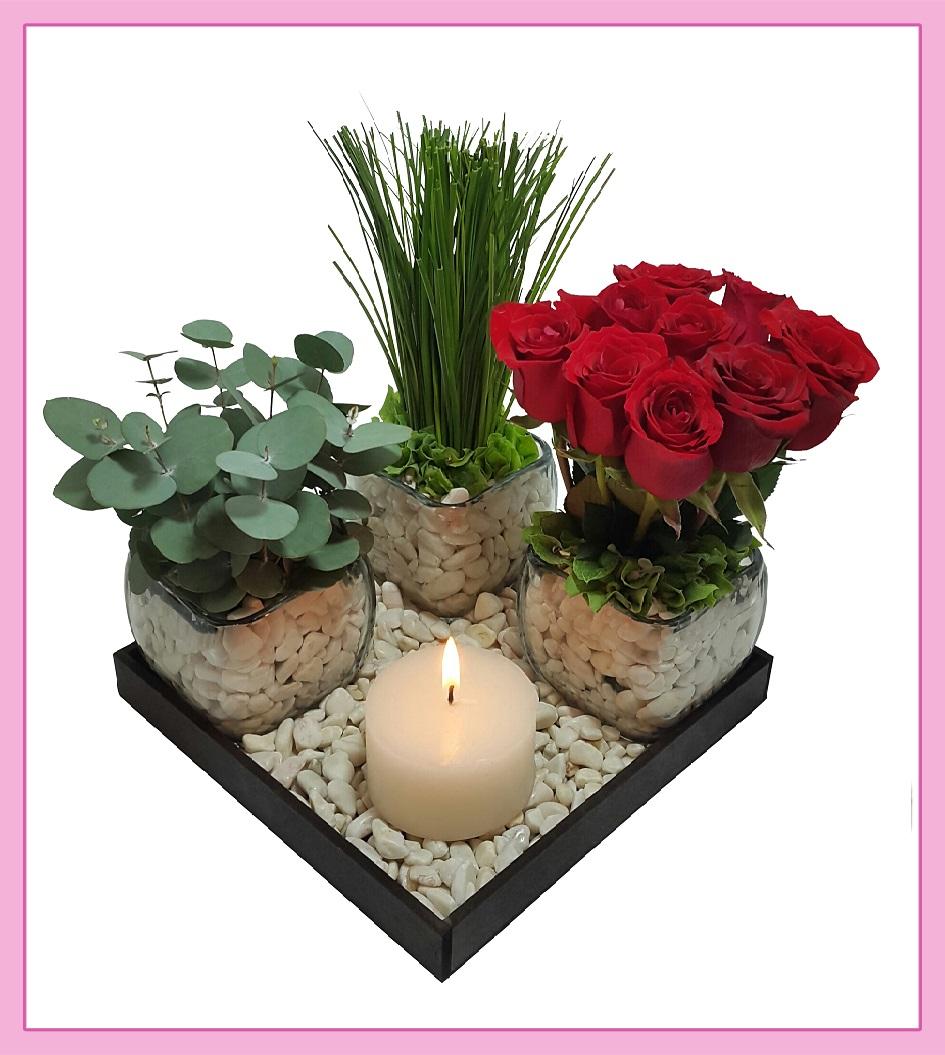 Arreglo De Flores Naturales Rosas Y Eucalipto