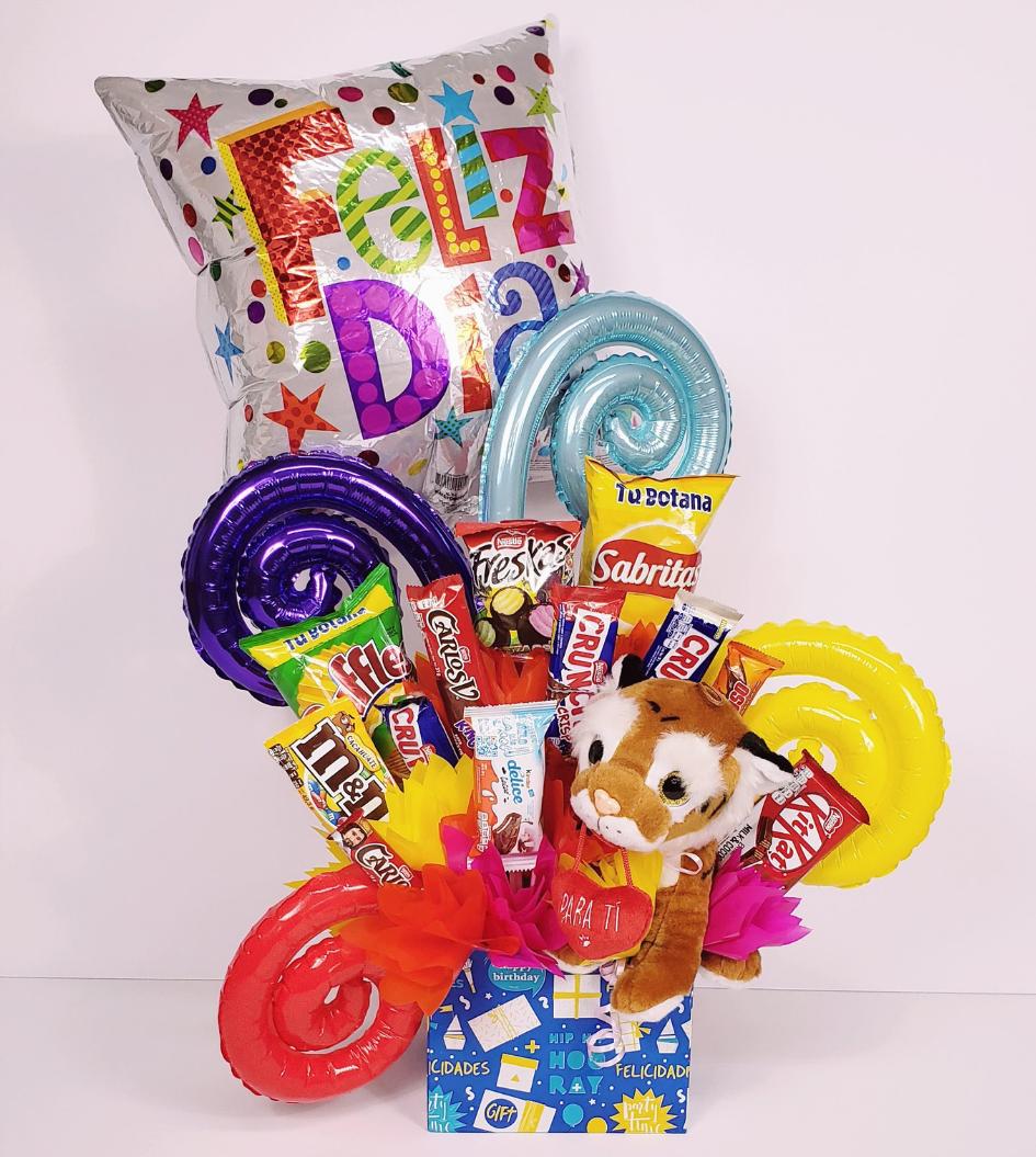 Canasta de dulces variada