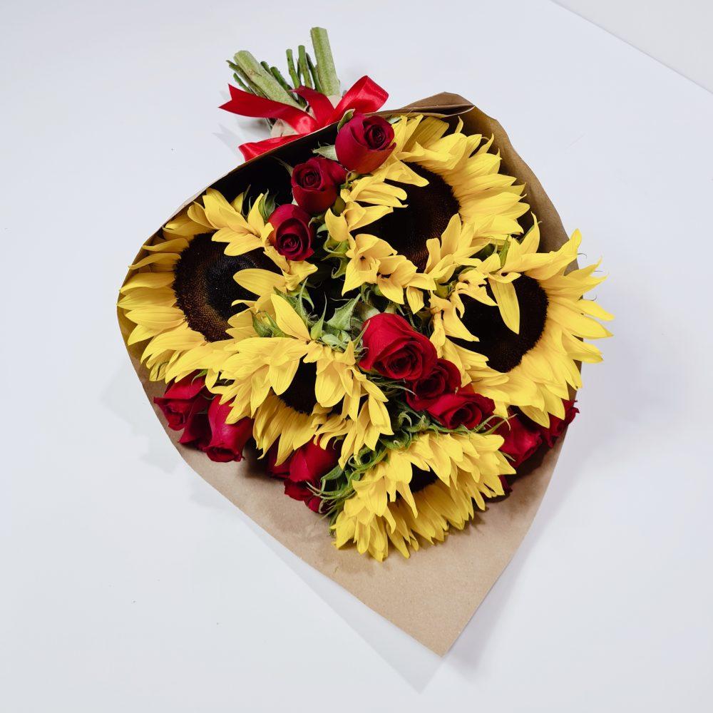 Ramos de Girasoles y rosas