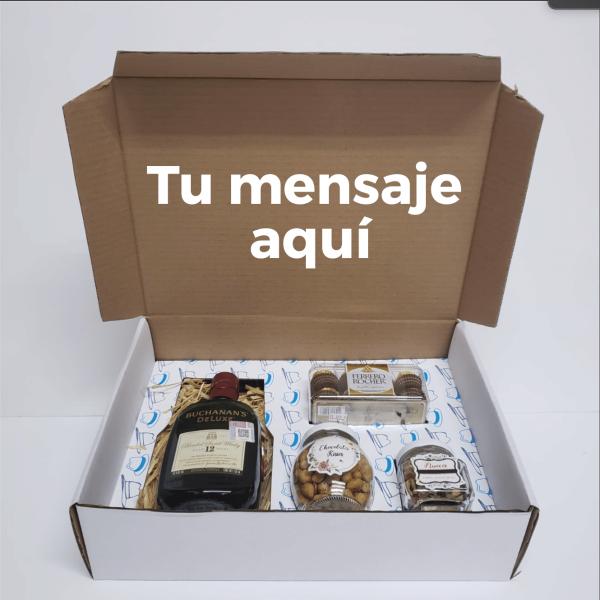 Caja con whiskey y botana