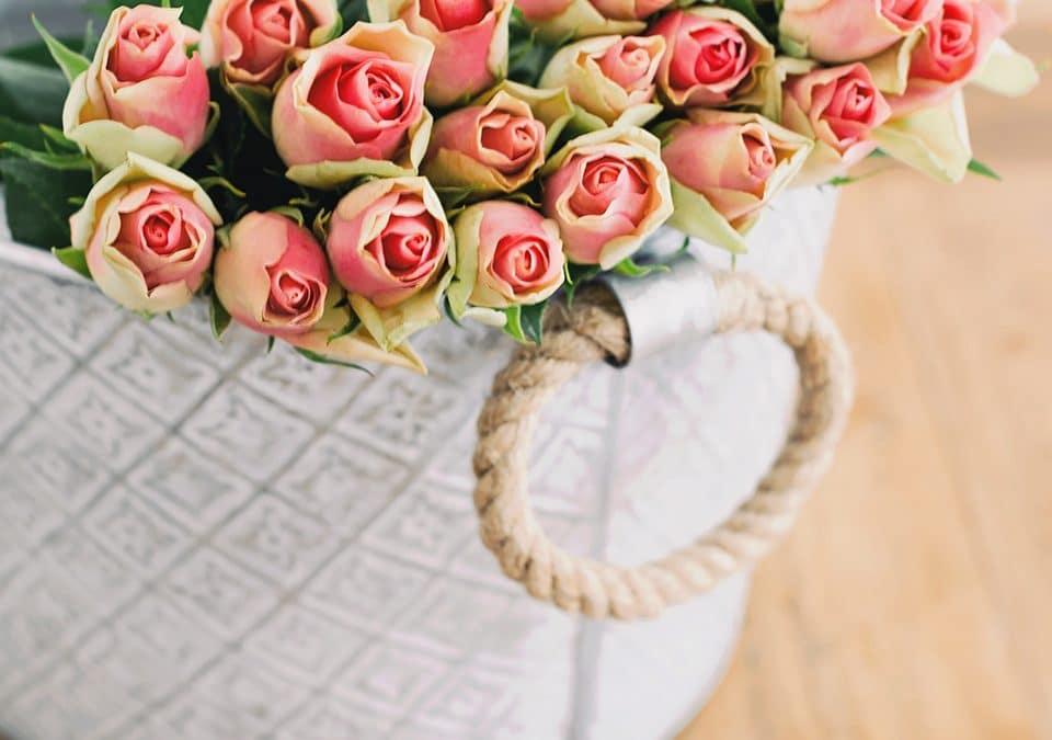 Descubre cuáles son los mejores arreglos florales para declararte
