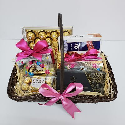 Canasta Navideña de chocolates y galletas