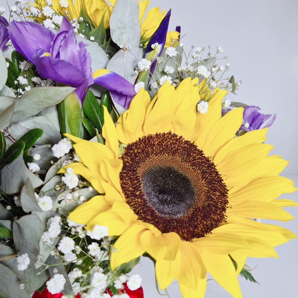 Arreglo de girasoles en florero