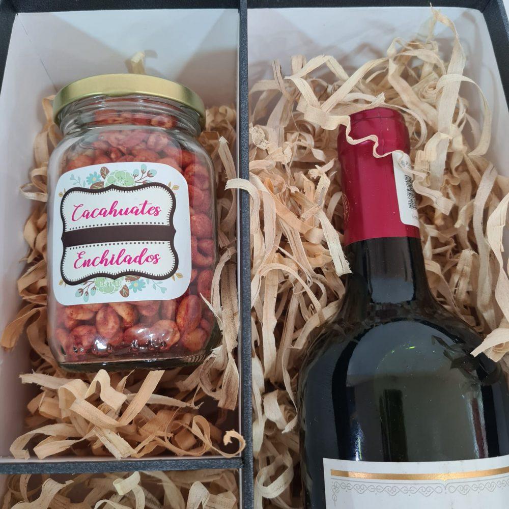 Caja con vino de regalo para papá